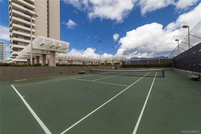 Marco Polo Tennis Court