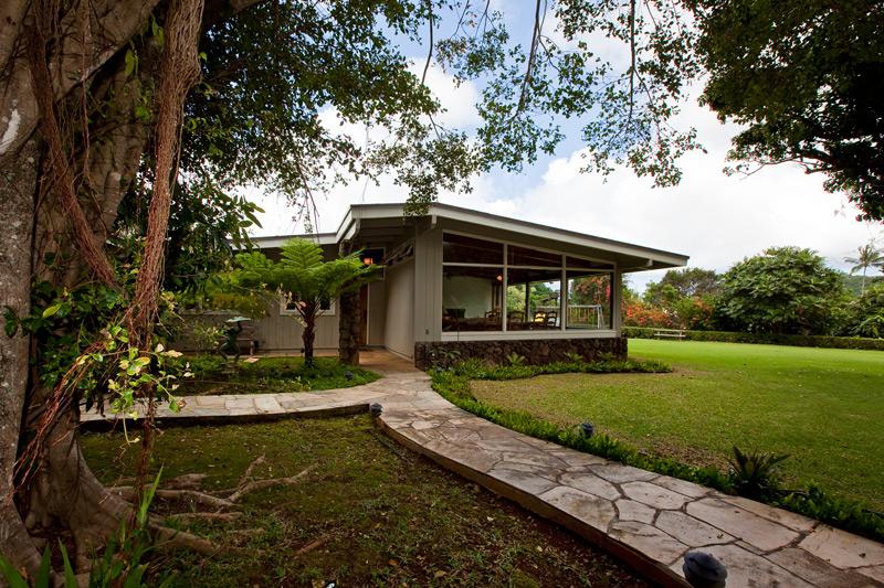 Maunawili Circle Home Entry