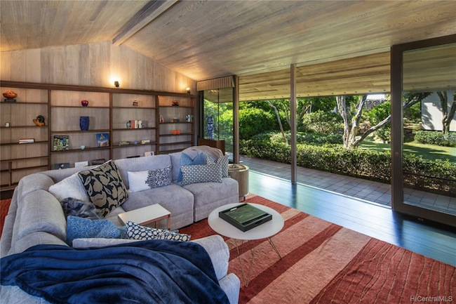 Ossipoff Puupanini Living Room