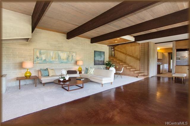 3255 Melemele Place Living Room