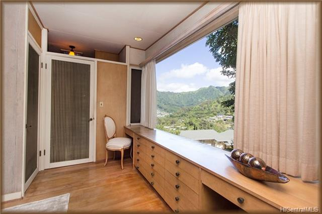 Preis Bedroom built ins