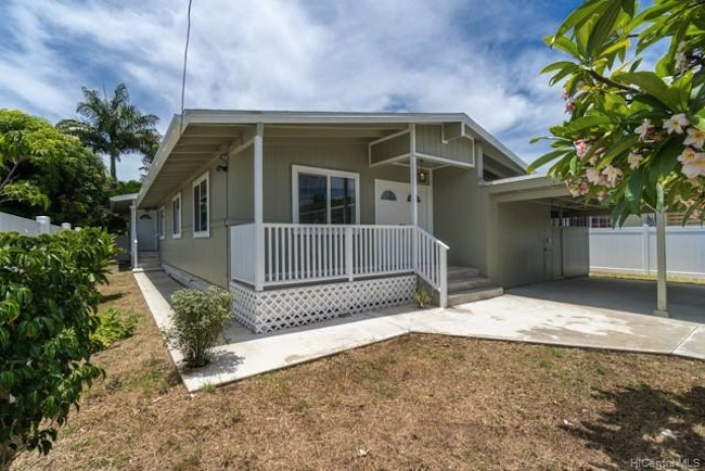 Remodeled Pearl City Home built in 1959