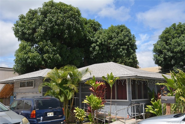 Waimalu Home in Pearl City Built in 1959