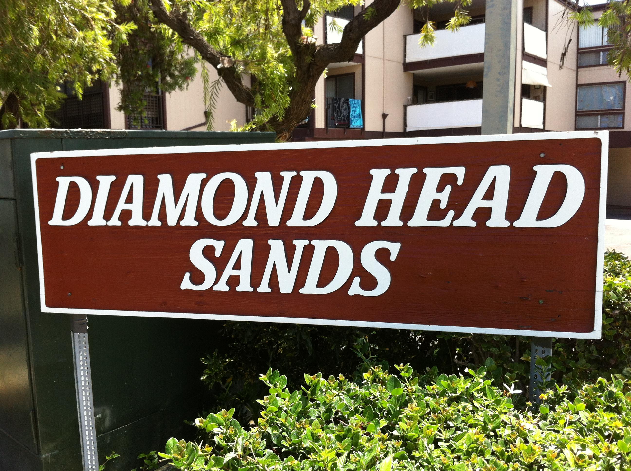 Diamond Head Sands sign
