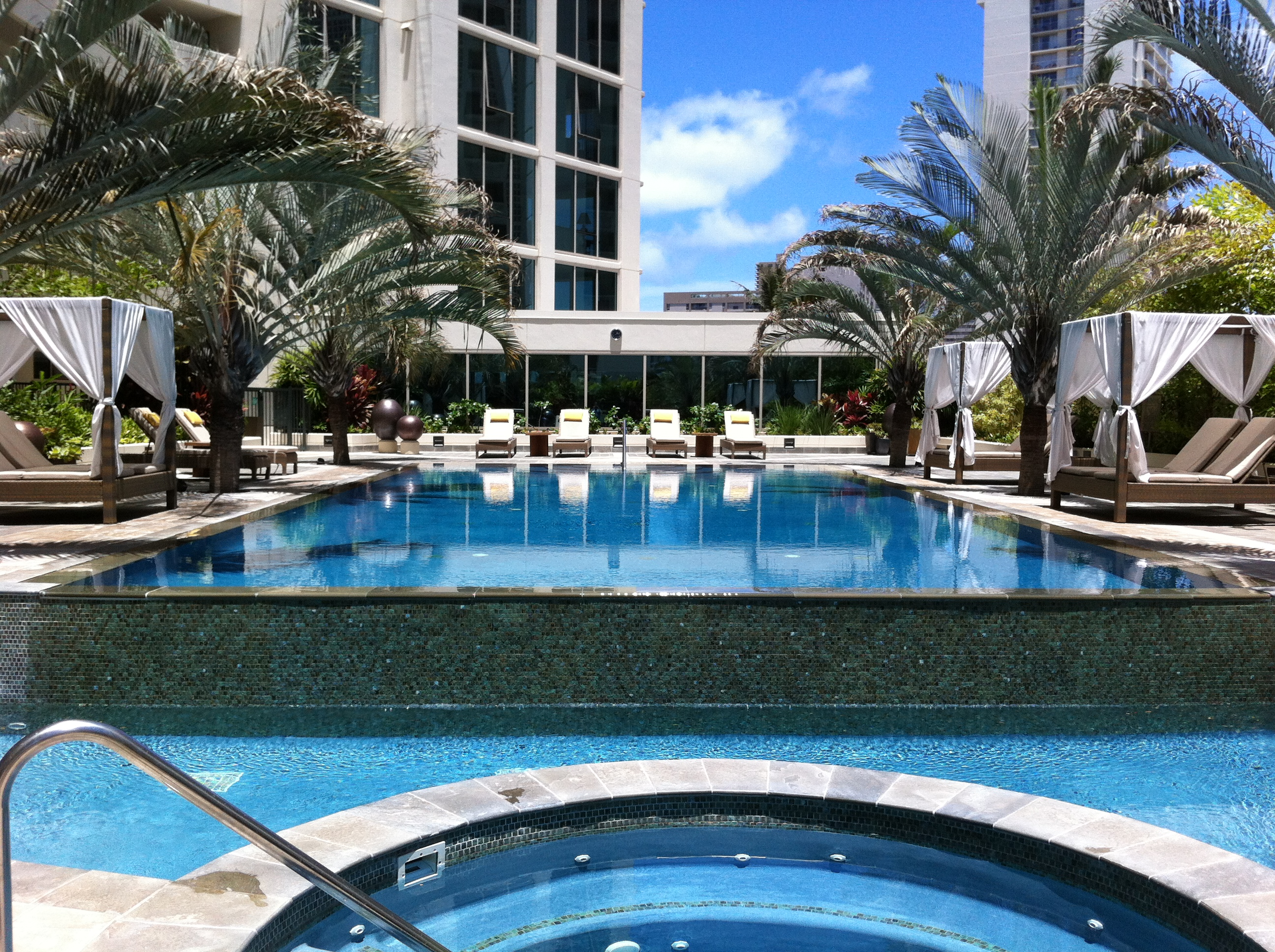 Allure Waikiki Swimming Pool