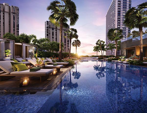luxury pool at Mandarin Oriental