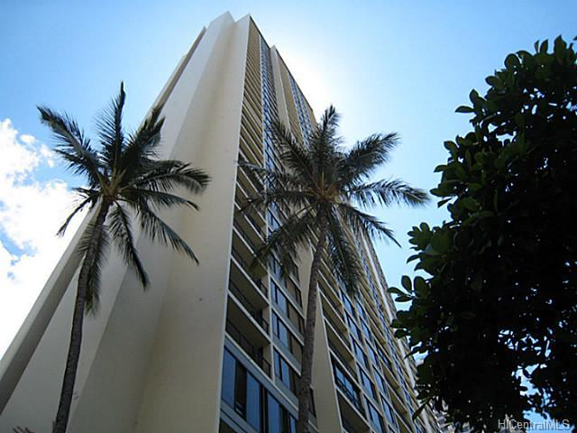 Chateau Waikiki Building