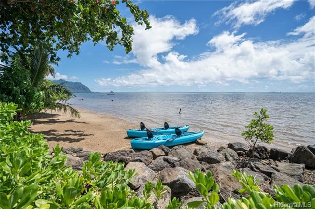 Kaneohe Home deeded access to beach