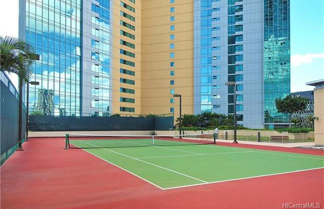 Hokua Condo Tennis Court