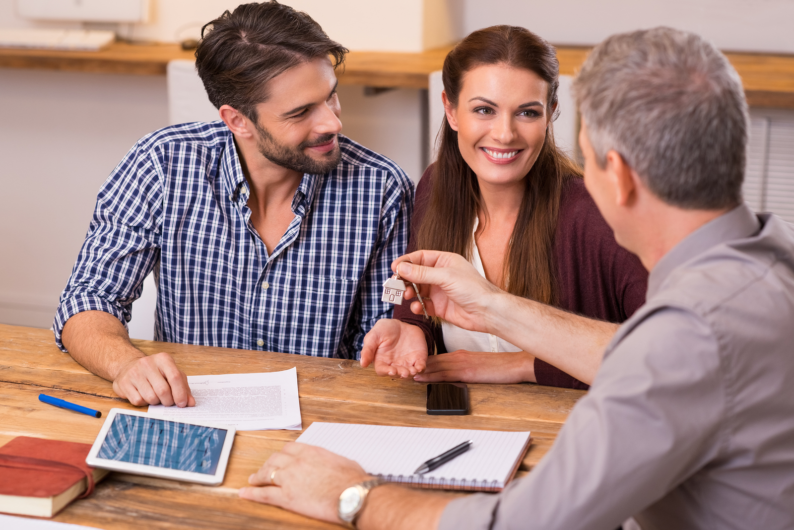 How to Reconnect with Home Sellers and Buyers in the Digital Age
