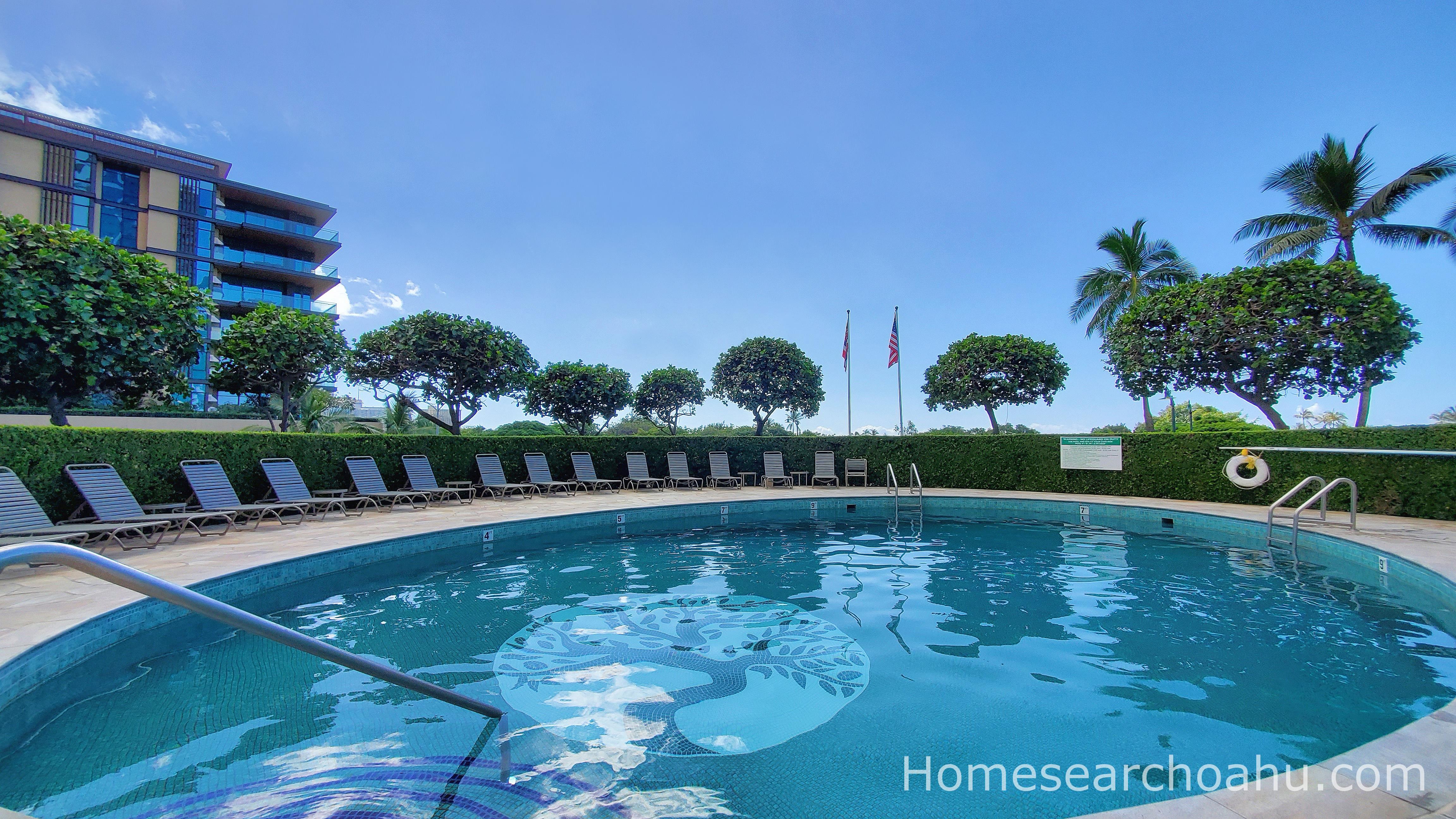 1350 Ala Moana Pool