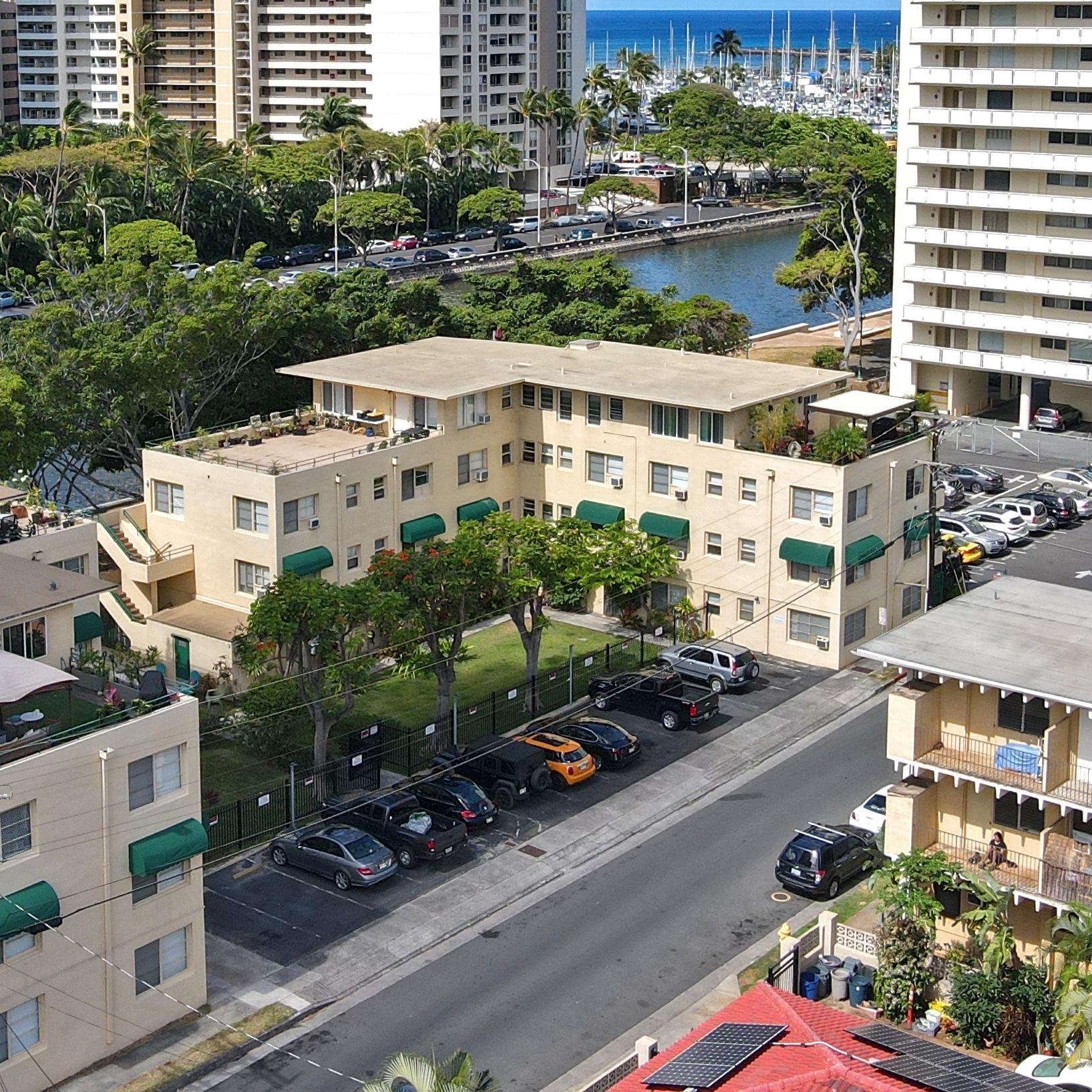 Commodore Waikiki