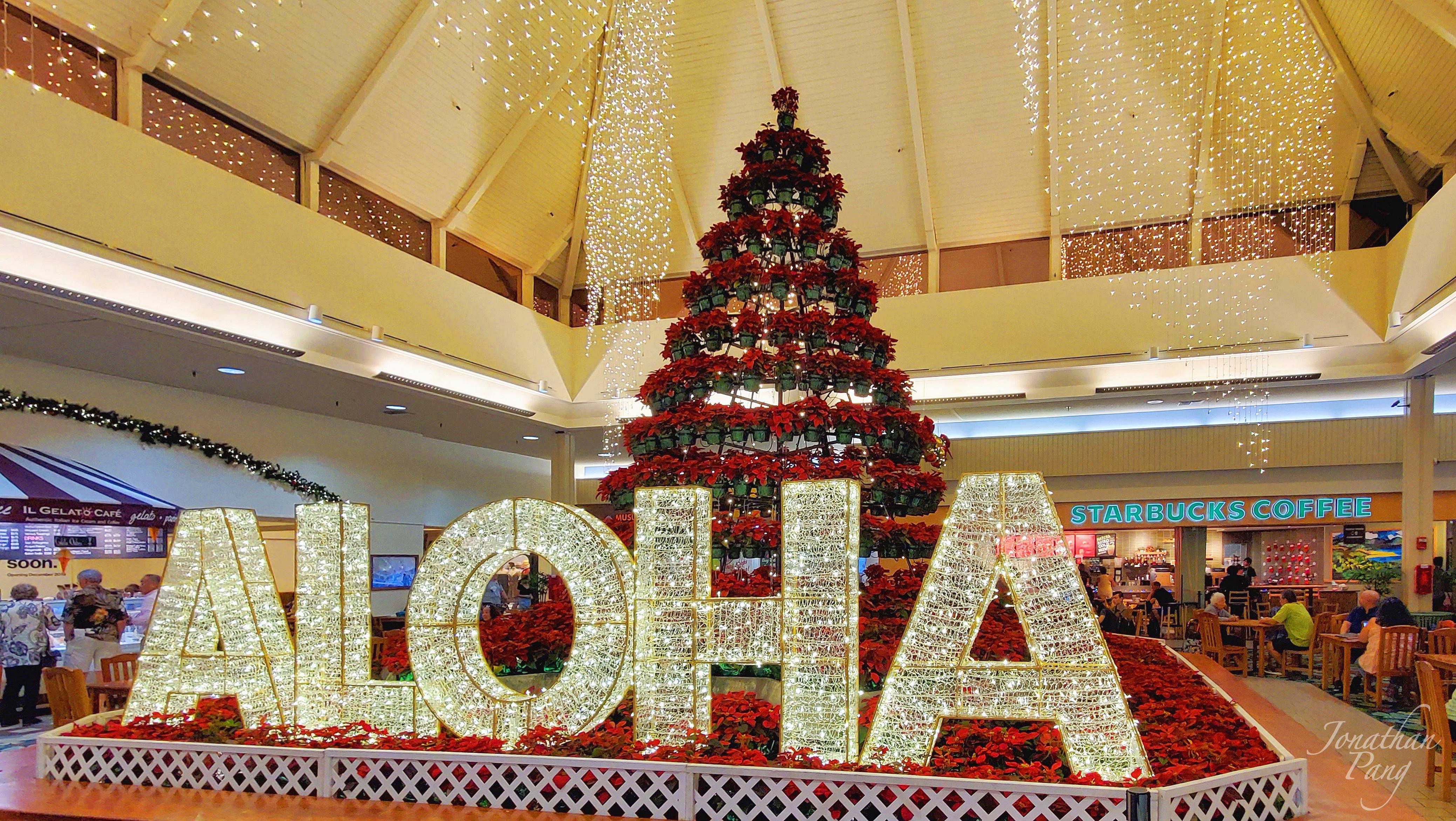 Kahala Mall Christmas Tree