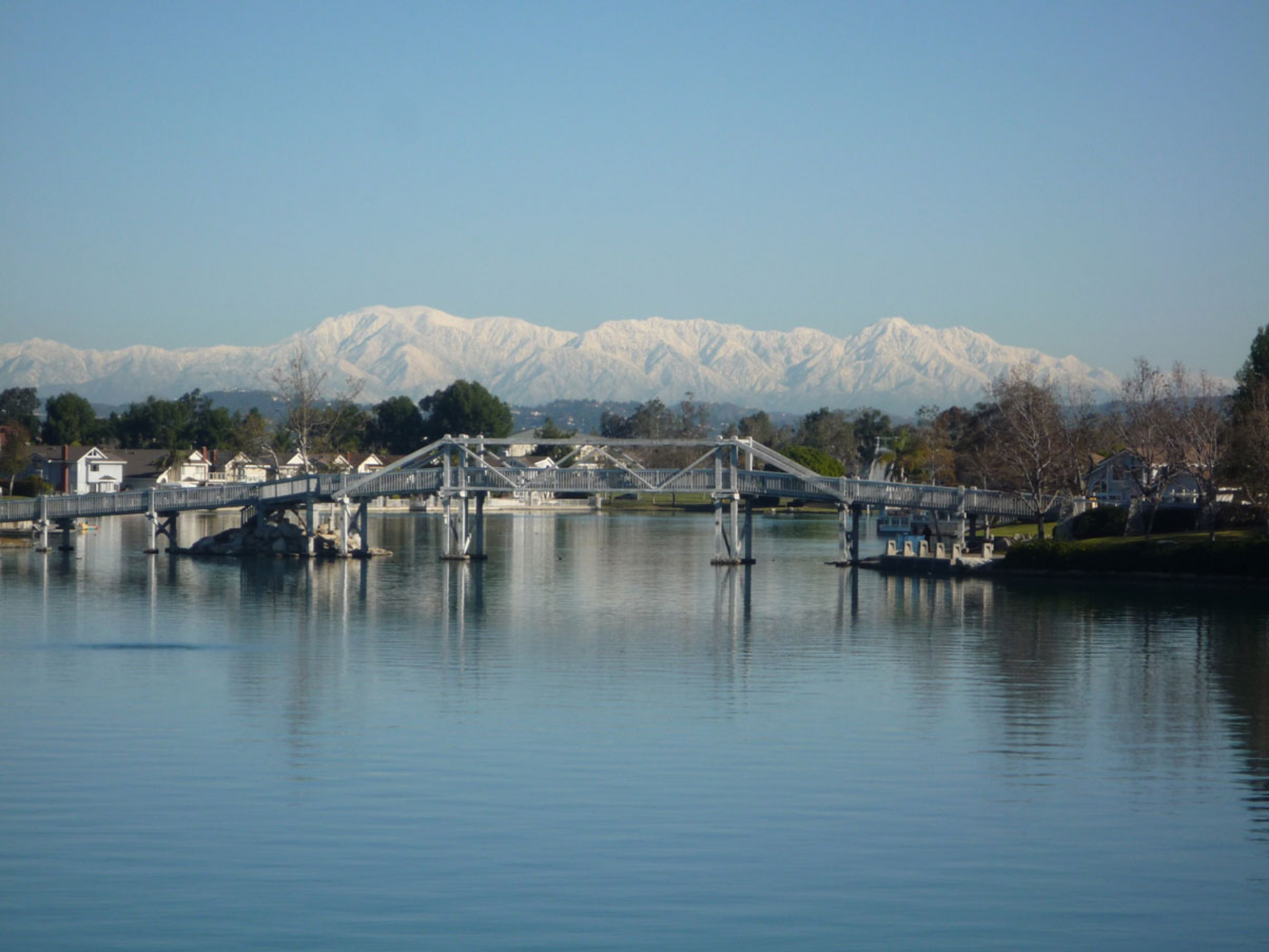 Woodbridge South Lake - snow on the mountains