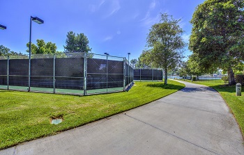 Association tennis courts available to Lakeside residents