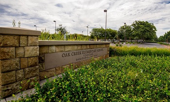 Award Winning Oak Creek Elementary School is close-by