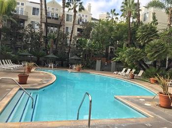 The pool at the Metropolitan
