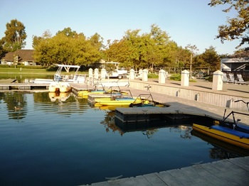 Woodbridge residents can rent boats on the lakes