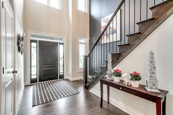 705 Rollingacres Place Foyer
