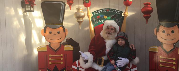 Santa's Cabin Appleland Station London Ontario