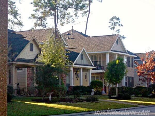 houses in the woodlands