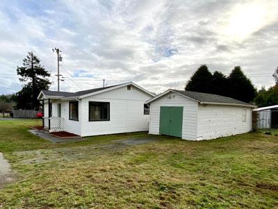 2046 Sutter Rd, McKinleyville, CA