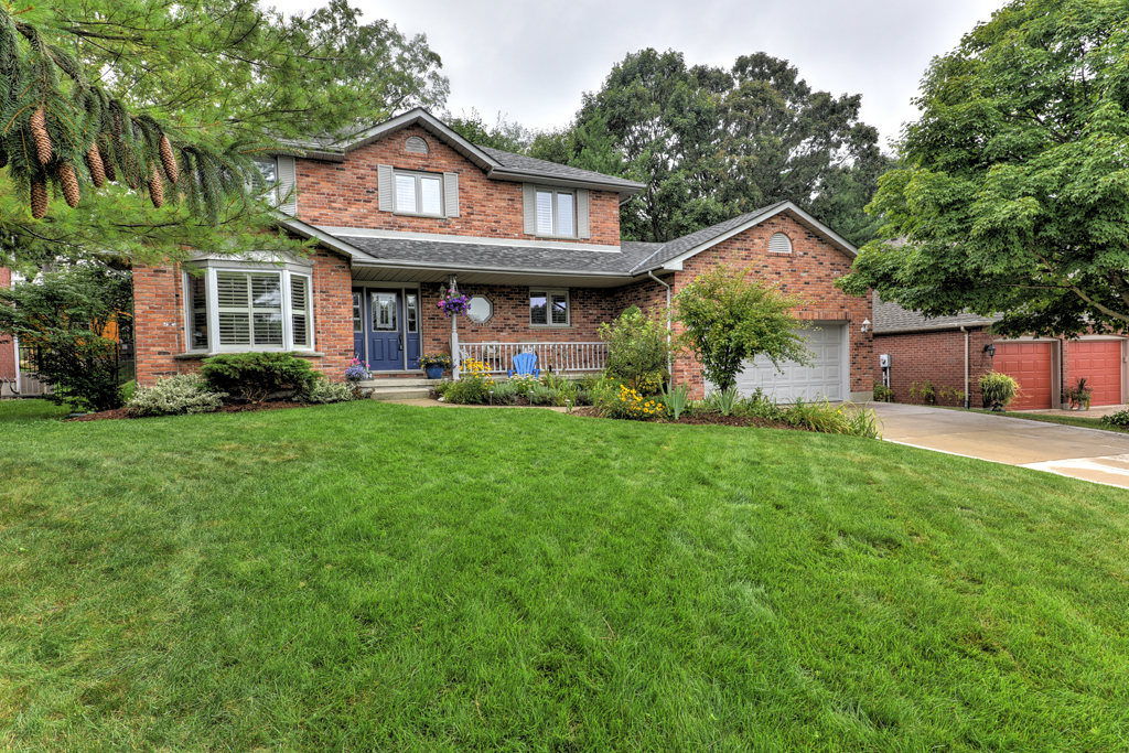 A Home For Sale In Dorchester, ON Picture - Wayne Jewell Sutton Diamond Realty