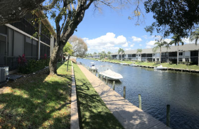 Boat dockage at Barclay Bay Condo Cape Coral