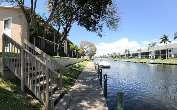 Waterfront Barclay Bay Condos for Sale SW Cape Coral