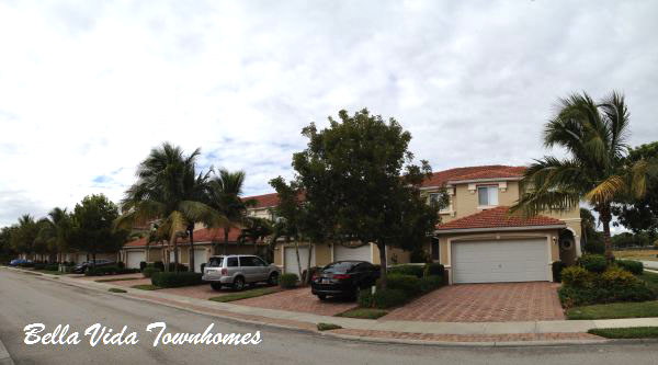 Townhouses for Sale in Bella Vida