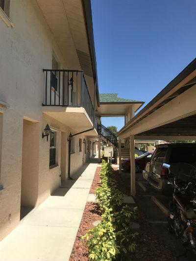 Buy a condo at Cape Parkway Condo in Cape Coral