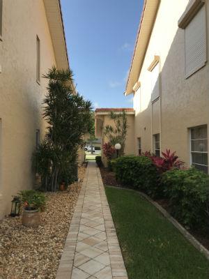 Side yard in between buildings at Capstan II Condo