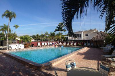 Cane Palm Beach Condo Swimming Pool