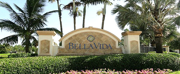 Entrance to Bella Vida in Cape Coral