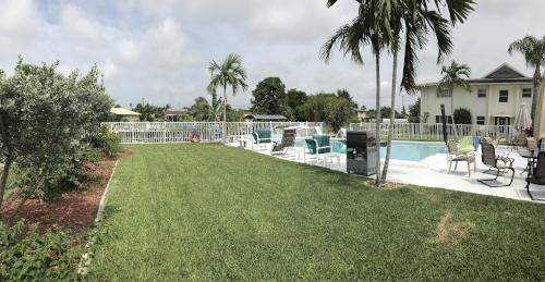Pool and Yard at Newport Manors Condo Cape Coral