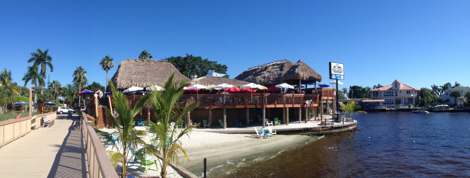 The Boat House Restaurant Tiki Hut at The Yacht Club Pier