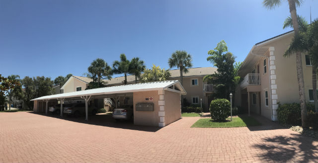 Carports at Villa De Vern in Cape Coral
