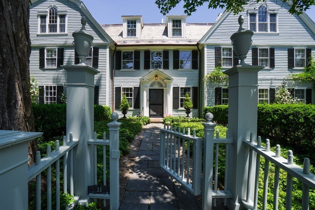 Cambridge Residence