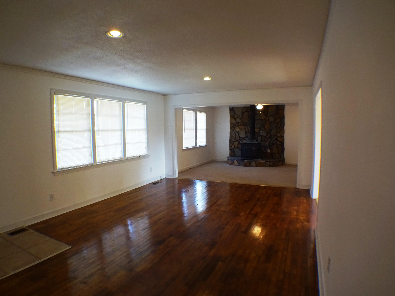 910 universal drive columbia sc 29209 for Wood flooring columbia sc
