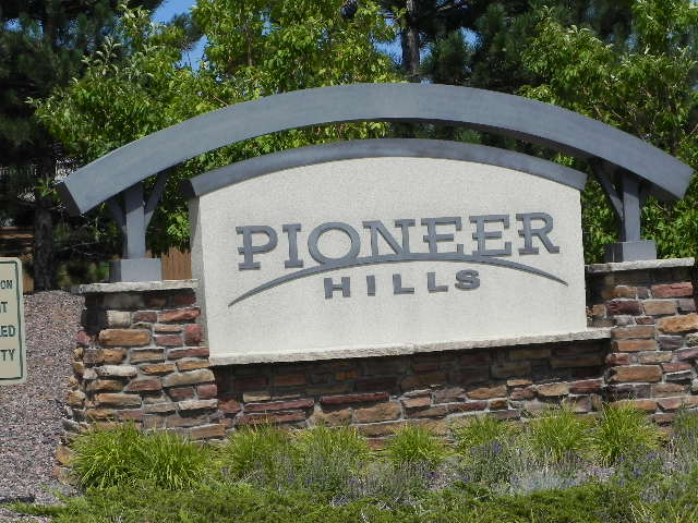 Pioneer Hills entry