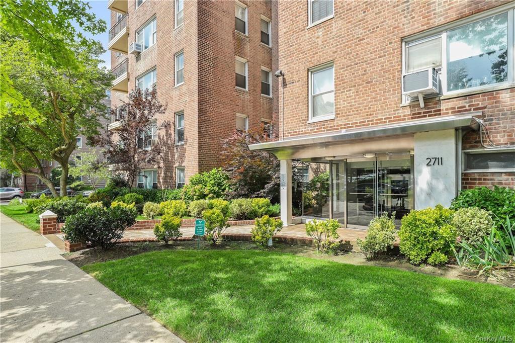 3600 Tibbett Avenue, Bronx, NY 10463$825,000 4 BD 2 BA 1,630 SqFt
