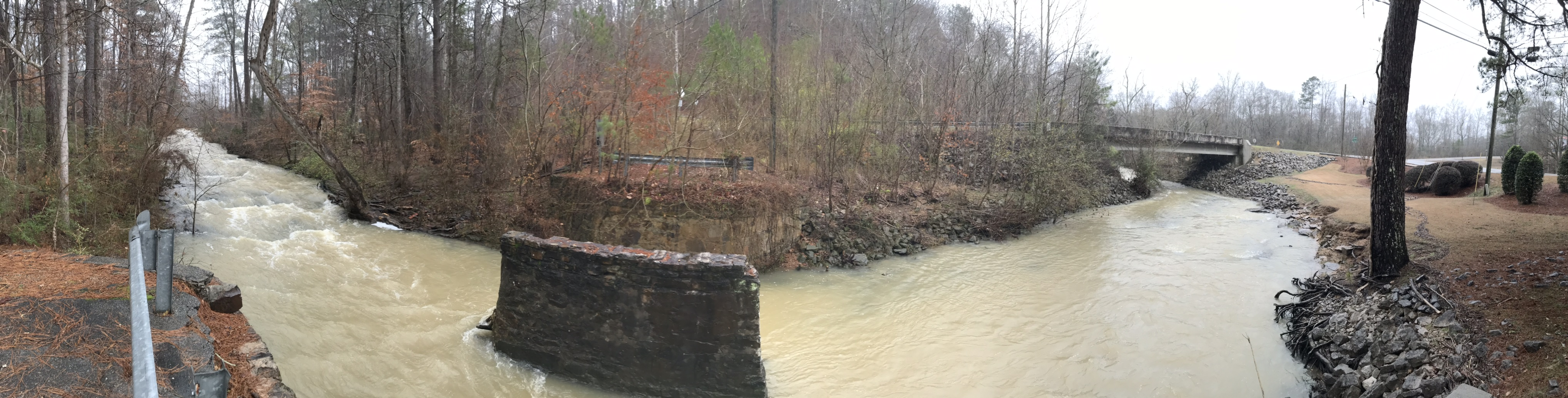 Creek running from Windsong Lake to Cahaba River