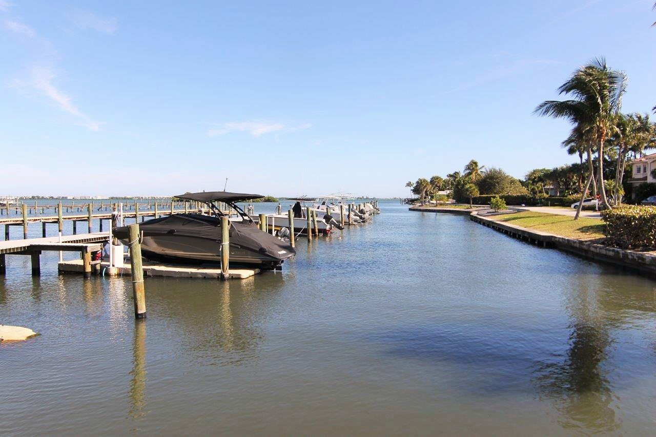 Sewalls Point FL Homes With Docks Thom and Rory Team