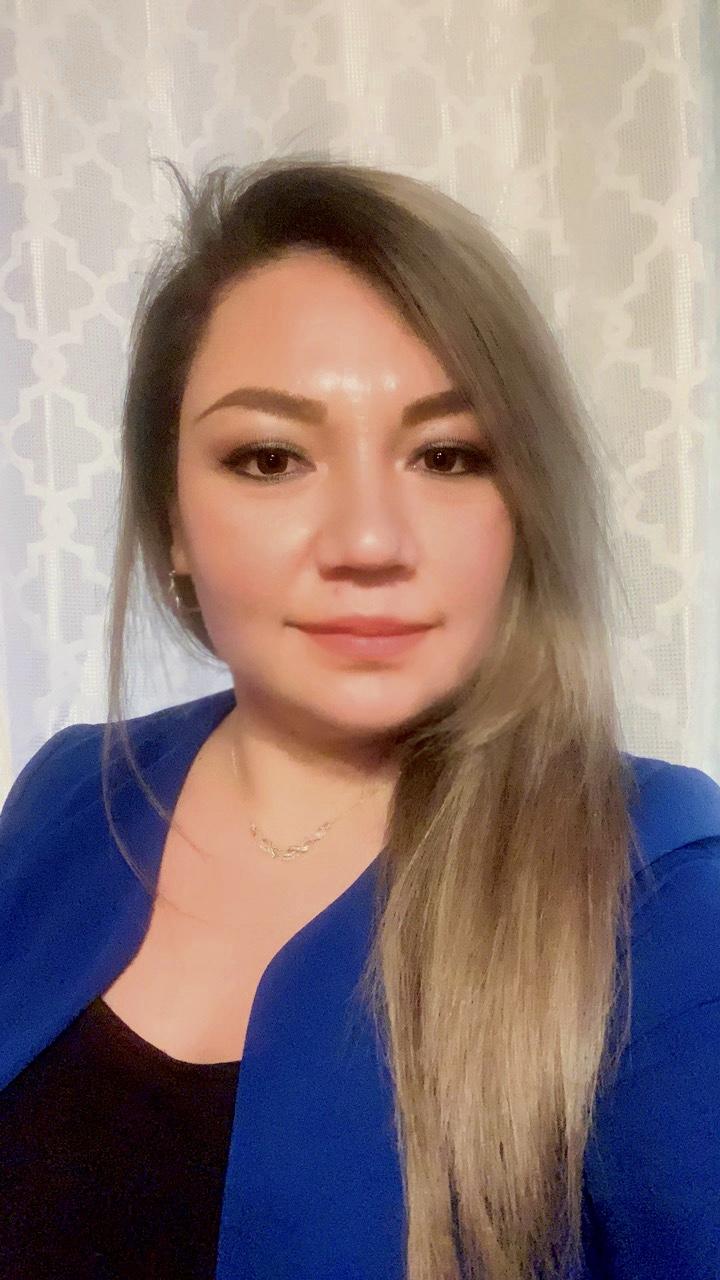Leticia headshot