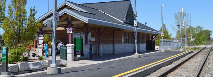 Lisgar Go Station