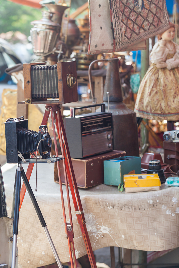 Everyone living in Monroe goes to the vintage market.