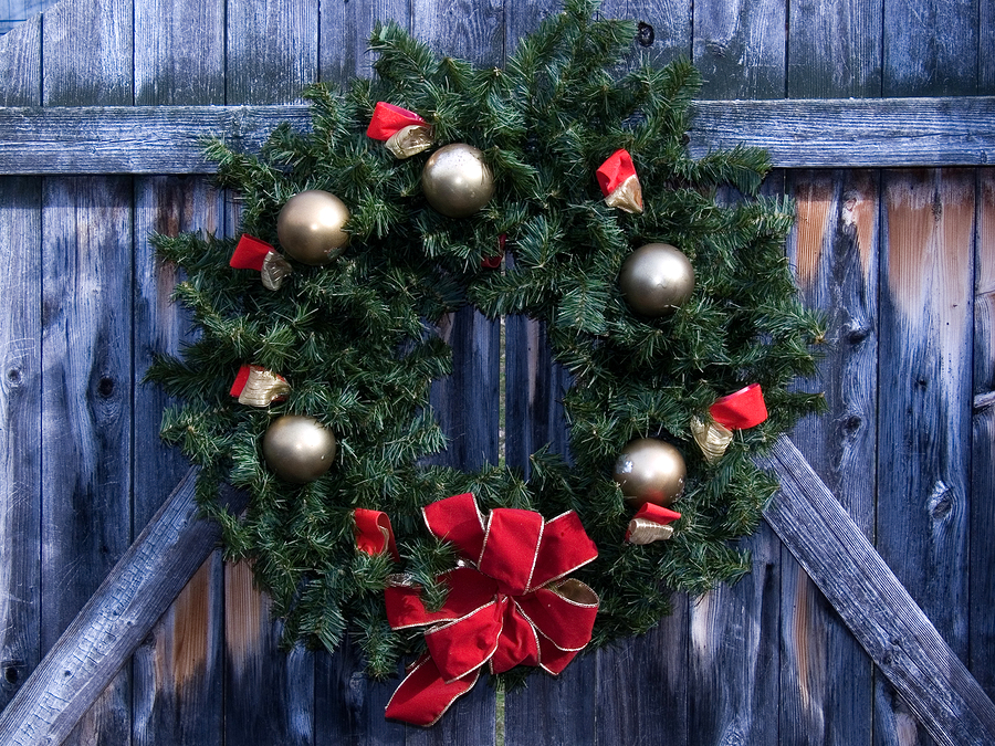 Find a fresh wreath for Snohomish property.