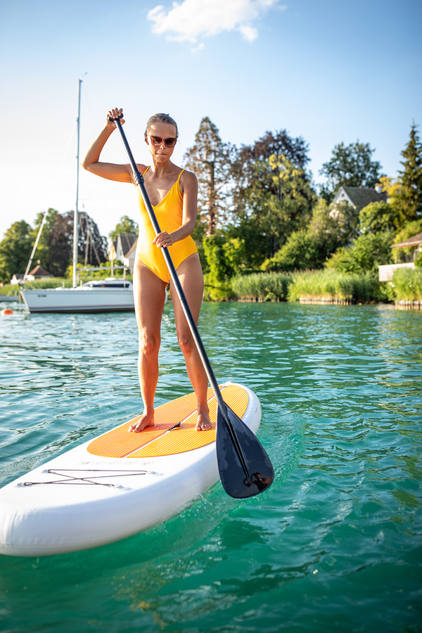 Lake Stevens real estate owners go paddleboarding.