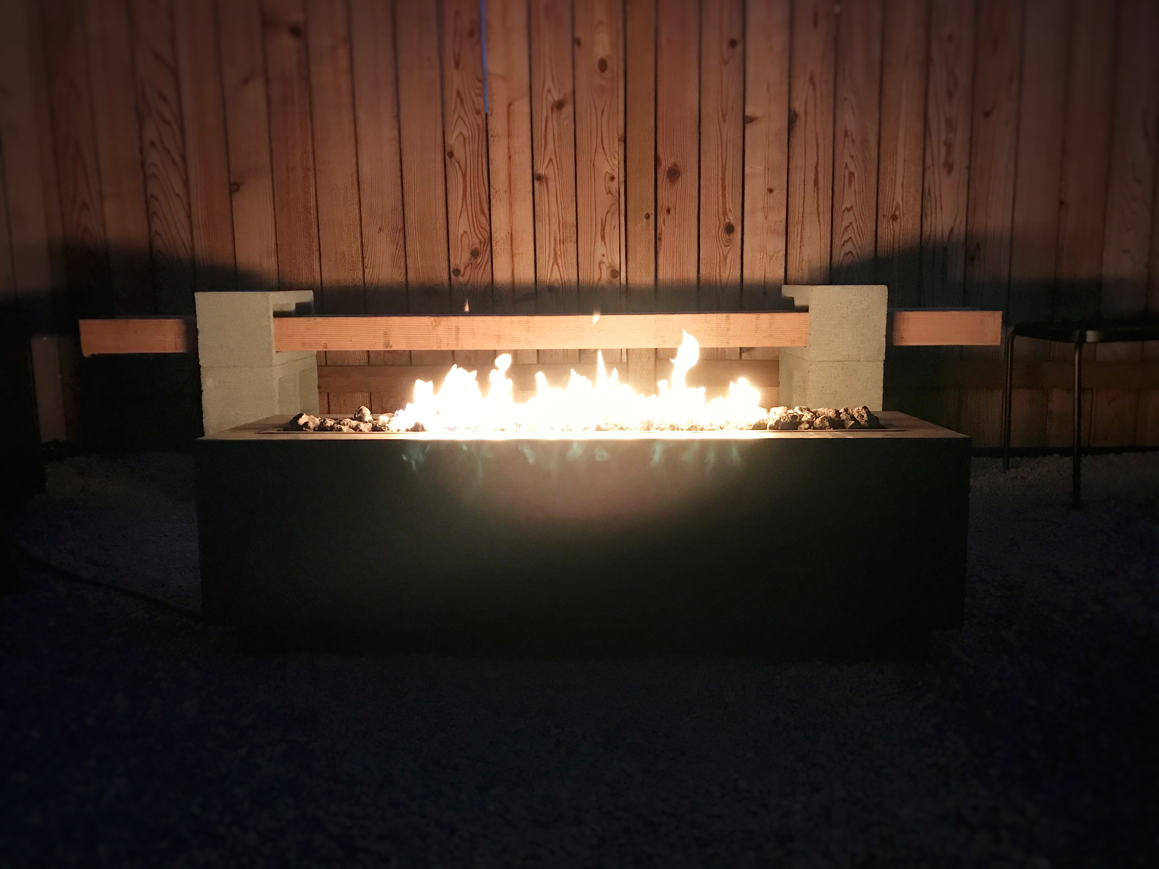 SIMPLE DIY BACKYARD MAKEOVER (PEA GRAVEL PATIO & FIRE PIT ...