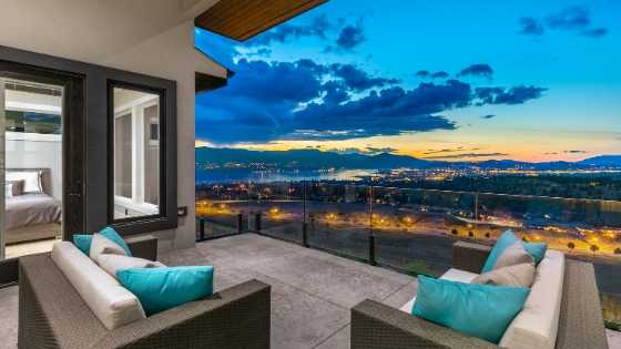 kelowna luxury home in the upper mission
